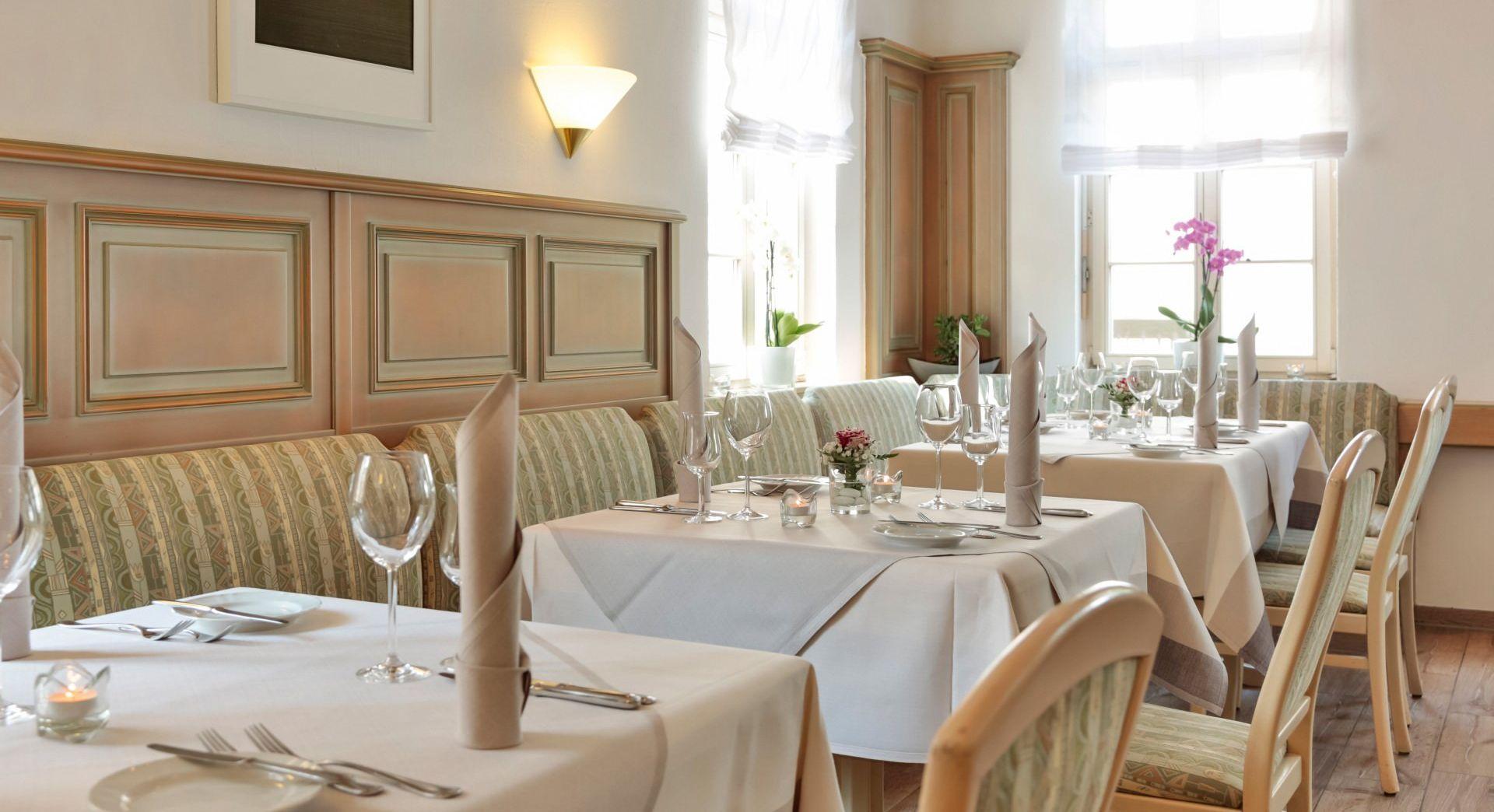 Twins Restaurant